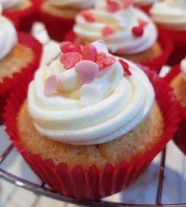 NIBBLES: Valentine's Day Cupcakes, Sugar & Spice